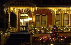 Pórtico del Victorian en la Navidad Fotografía de archivo libre de regalías