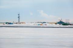 Prudhoe Bay-Infrastruktur Lizenzfreie Stockbilder
