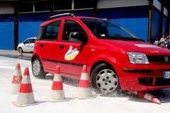 Prueba de conducción en el mojado Foto de archivo libre de regalías