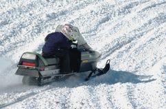 Prueba de la moto de nieve - deportes de invierno Foto de archivo libre de regalías