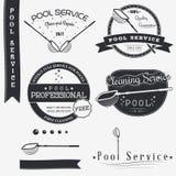 Prueba química de la piscina activa Limpie y repare Sistema de elementos tipográficos del diseño de las insignias, juego de herra Fotografía de archivo