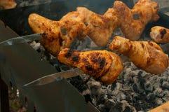 Pruebe un pollo frito Imágenes de archivo libres de regalías