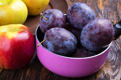 Prunes et pommes Photos stock