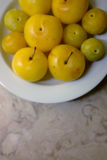 Prunes jaunes Photo libre de droits