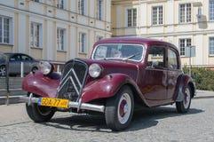PRUSZCZ GDANSKI, POLEN - Maj 3, 2017: Historisk bil under berömmar av den Maj 3rd konstitutionen Fotografering för Bildbyråer