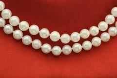 Stränga av pärlor Royaltyfria Bilder