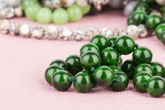 Pryder med pärlor smycken Royaltyfria Foton