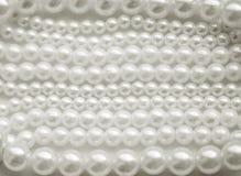 Pryder med pärlor vit Arkivfoton