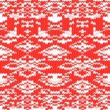Prydnad för vit jul på röd bakgrund. Royaltyfria Foton
