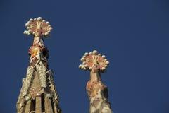 Prydnader för Sagrada familatorn Arkivbilder