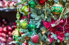 Prydnader på julgranen Royaltyfria Foton