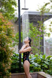 weź prysznic kobiety. Zdjęcie Royalty Free