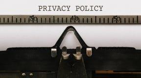 Prywatności polisa, tekst na papierze w rocznika typ pisarz od 1920s Obrazy Stock