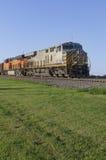 Przód ładunku pociąg Podczas zmierzchu Zdjęcia Stock