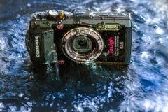 Przód Olympus TG-2 punktu Cyfrowego Twarda wodoodporna konsumpcyjna kamera krótkopędu i Zdjęcie Royalty Free