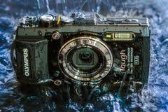 Przód Olympus TG-2 punktu Cyfrowego Twarda wodoodporna konsumpcyjna kamera krótkopędu i Fotografia Stock