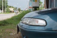 Przód samochód z Przecinającego pasa ruchu Fotografia Royalty Free