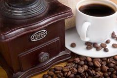 Przód stary drewniany kawowy ostrzarz Zdjęcia Royalty Free