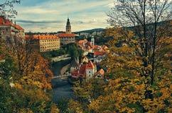 Prześwietny pejzaż miejski Cesky Krumlov podczas jesień sezonu Obraz Stock
