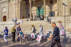 Przechodnia Nowy meczet (Yeni Cami) Zdjęcia Stock