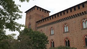Przechyla strzał castello Visconteo w Pavia, PV, Włochy zbiory wideo