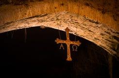 Przecinający sławny rzymianina most w mieście Cangas De Onis, Asturia zdjęcie royalty free