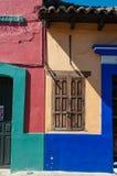 Przeciw kolorowi Meksykańscy domy Fotografia Stock
