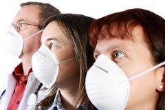 przeciw maskowemu zanieczyszczenia ochrony zagrożeniu wirusowemu Zdjęcia Royalty Free