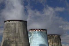 przeciw termoelektrycznemu rośliny błękitny niebu Obraz Stock