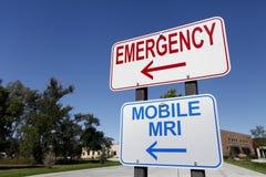 Przeciwawaryjni i wisząca ozdoba MRI znaki zdjęcia stock