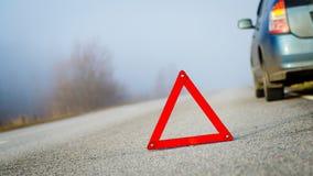 Przeciwawaryjny trójbok na drodze Zdjęcie Stock