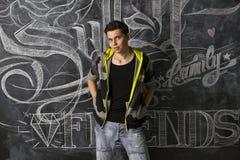 Przed blackboard nowożytny nastolatek Zdjęcie Stock