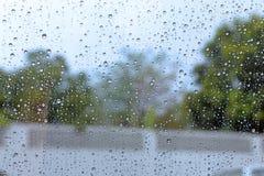 Przednia szyba deszczu kropla na samochodowym okno Obrazy Stock