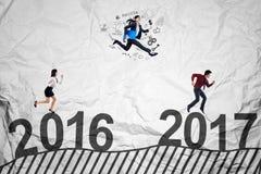 Przedsiębiorcy współzawodniczą w kierunku 2017 Zdjęcia Royalty Free