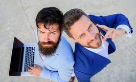 Przedsiębiorczość jako praca zespołowa Biznesowa eksperta poparcia drużyna, odgórny widok Sprzedaże i online transakcja Sprzedaż  zdjęcia royalty free