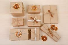 Przedstawia kolekcję kłaść na drewnianym stole 2008 przygotowania składników nowego roku Zdjęcia Stock