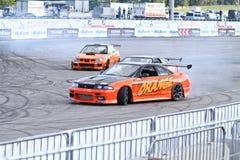 przedstawienie dryftowa pomarańczowa drużyna obrazy stock