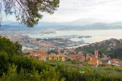 Przegapiać miasto los angeles Spezia Włochy na morzu śródziemnomorskim Obrazy Royalty Free