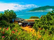 Przegapiać miasto Nha Trang z Vinpearl wyspą Obrazy Stock