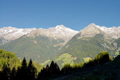 Przegapiać pasmo górskie od dolomitów, Ahrntal, alt Adige, Włochy Zdjęcia Royalty Free