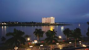 Przegapiać Phnom Phens & x22; Riverside& x22; w wieczór półmroku obrazy royalty free