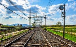 Przegapiający pociąg tropi w Nara, Japonia obraz stock