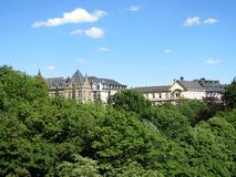 Przegląd miasto od wzgórza w Luksemburg zdjęcia stock
