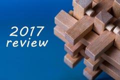 2017 przegląd, nowy rok 2018 - czas streszczać cele dla przyszłego roku i planować Biznesowy tło z drewnianym mózg Obraz Stock