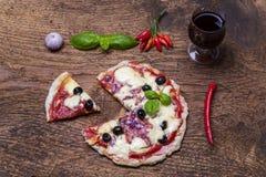 Przegląd pizza zdjęcie royalty free