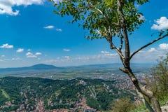 Przegląd przeglądać od Tampa góry Brasov miasto, Brasov, Rumunia fotografia stock