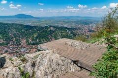 Przegląd przeglądać od Tampa góry Brasov miasto, Brasov, Rumunia obrazy stock