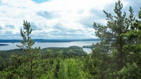 Przegląd przy päijänne jeziorem od struve geodezyjnego łuku przy moun fotografia stock