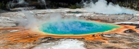 Przegląd Uroczysta Graniastosłupowa wiosna, Yellowstone NP, usa Obrazy Royalty Free