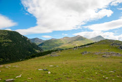 Przegląda nad Pyrenees górami, Hiszpania Obrazy Stock